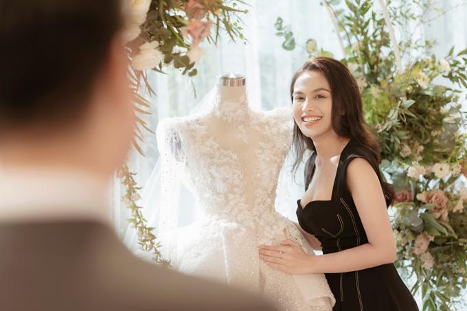 Chú rể 9X chủ động liên lạc với chị tiên váy cưới Phương Linh, kể về cô dâu Thanh Thanh và đưa cho chị link Facebook của Thanh để chị tìm hiểu nhiều hơn về Thanh.
