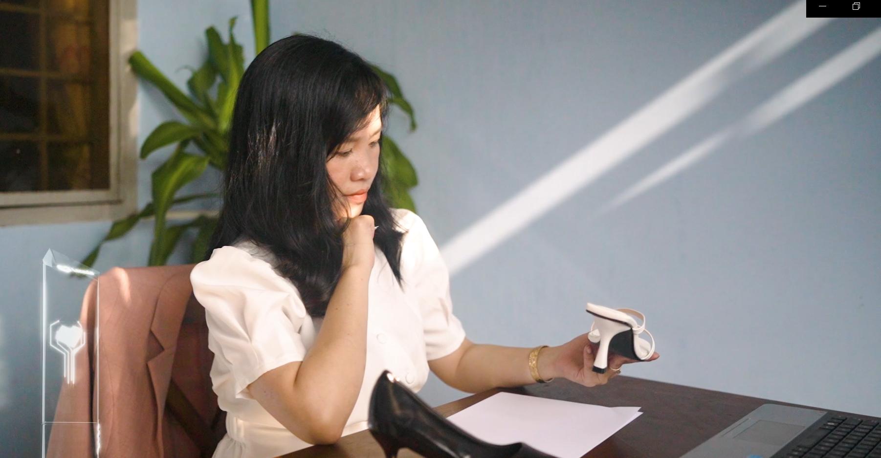 Chị Xuân Hồng xuất sắc trở thành đại diện duy nhất của Lazada Việt Nam được vinh danh trong giải thưởng Những người Phụ nữ Tiên phong (Lazada Forward Women Awards) năm 2021. Ảnh: Lazada Việt Nam.