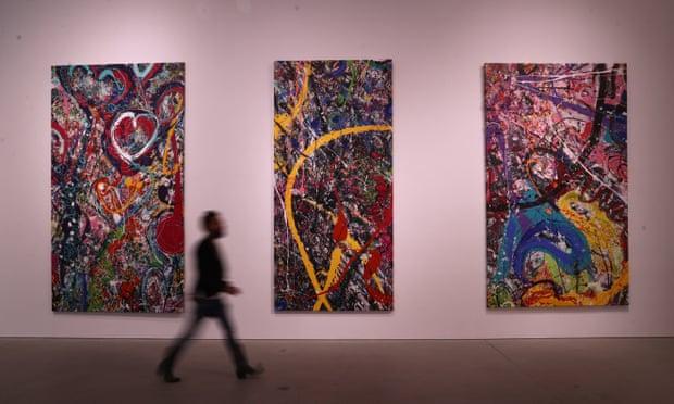 Từng mảnh của bức tranh được trưng bày tại buổi bán đấu giá ở Dubai. Ảnh: Guardian.