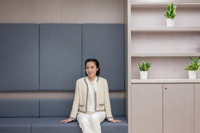 Bà Chan Hoi-wan bị nghi ngờ năng lực lãnh đạo khi nắm quyền tại Chinese Estates. Ảnh: Bloomberg.