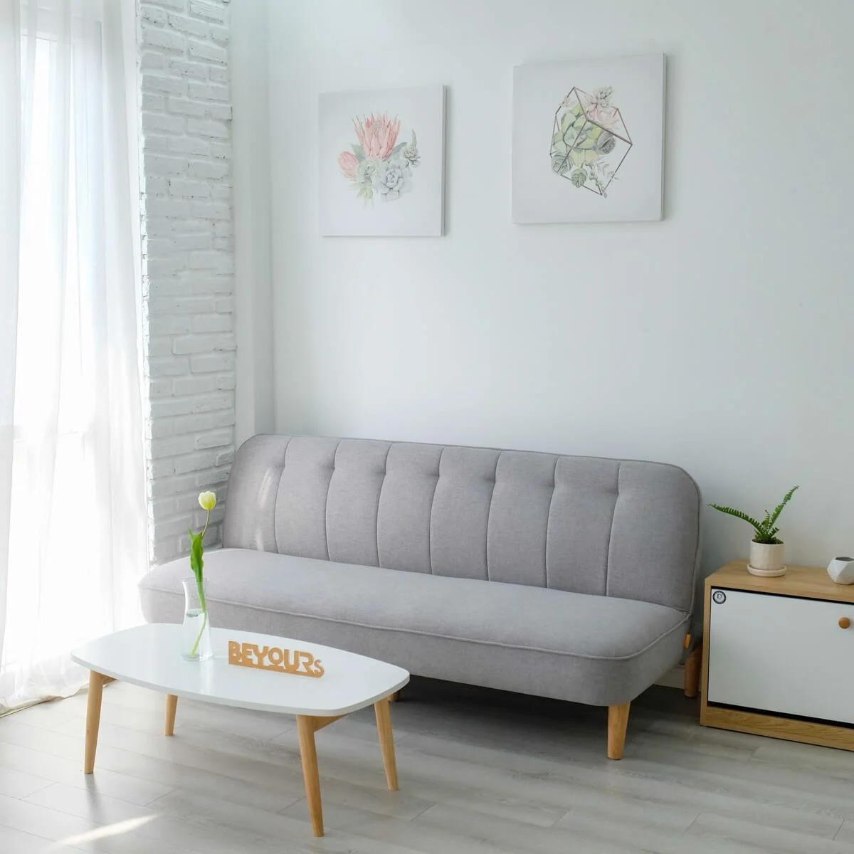 Thêm một sản phẩm khác nằm trong top những deal giá tốt dành cho người thích trang hoàng nhà cửa là mẫu sofa kết hợp giường từ Beyours. Với thiết kế ba khớp tiện lợi, ghế có thể dựng thẳng để ngồi, khớp giữa dùng để tựa hoặc ngã lưng và khớp cuối có thể kéo thẳng, thay thế cho giường ngủ. Dòng nội thất tiết kiệm không gian, tích hợp đa tính năng hiện là lựa chọn của nhiều gia đình vì hợp với nhà chung cư và không gian hợp. Sản phẩm có giá giảm 28% còn 2,289 triệu đồng trên Lazada, chỉ mở bán với giá ưu đãi duy nhất trong khung giờ 0h-2h ngày 27/3.