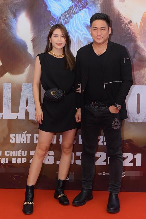 Vợ chồng diễn viên Minh Tiệp - Thùy Dương mong chờ thưởng thức độ hoành tráng trong cuộc chiến giữa hai đại quái vật màn ảnh.