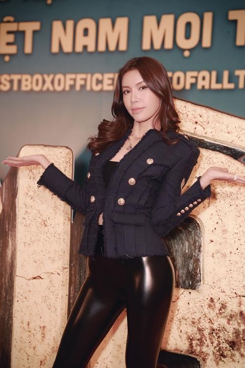 Siêu mẫu - hoa hậu Minh Tú thể hiện một bị ghét trong phim.