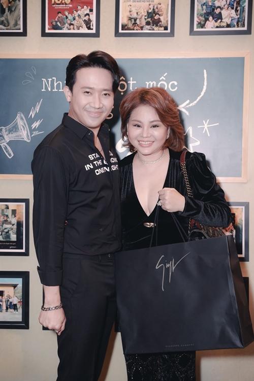 Cặp đôi tình già Trấn Thành - Lê Giang được yêu thích của phim.