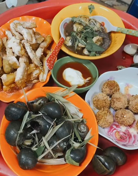 Bữa xế 8 món Hà thành của Mỹ Linh và  Adrian Anh Tuấn