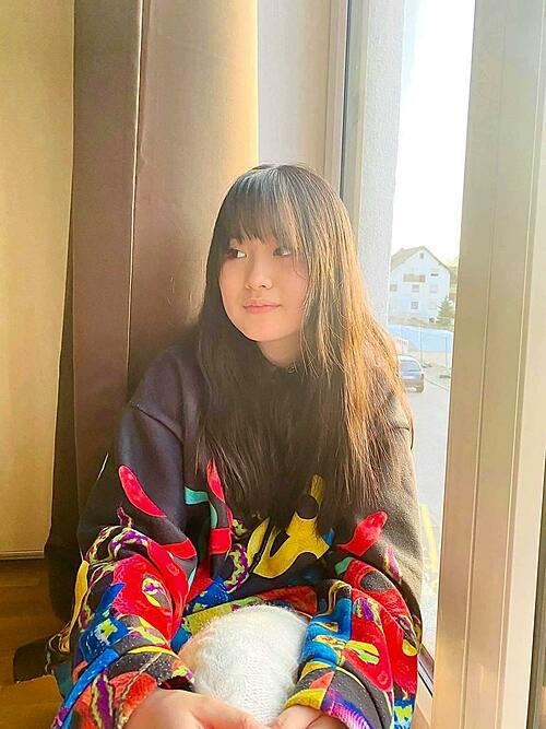 Janet Ngô ra dáng thiếu nữ tuổi 16.
