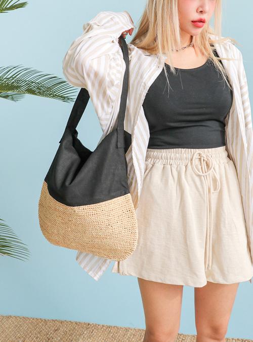 Túi nan và các kiểu phụ kiện đan lát thủ công vẫn chưa bị thất sủng. Tuy nhiên chúng được kết hợp cùng nhiều nguyên liệu để khiến phụ kiện ngày hè thêm phần đa dạng.