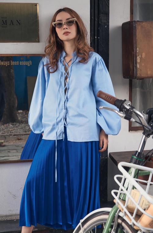 Là một tín đồ thời trang nổi tiếng của showbiz Việt, Yến Trang hiếm khi để mình rớt nhịp trước những xu hướng mới.