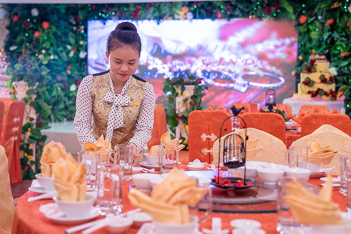 Các dịch vụ hội nghị, tiệc cưới có giá khuyến mãi sâu cùng nhiều chương trình tặng kèm.