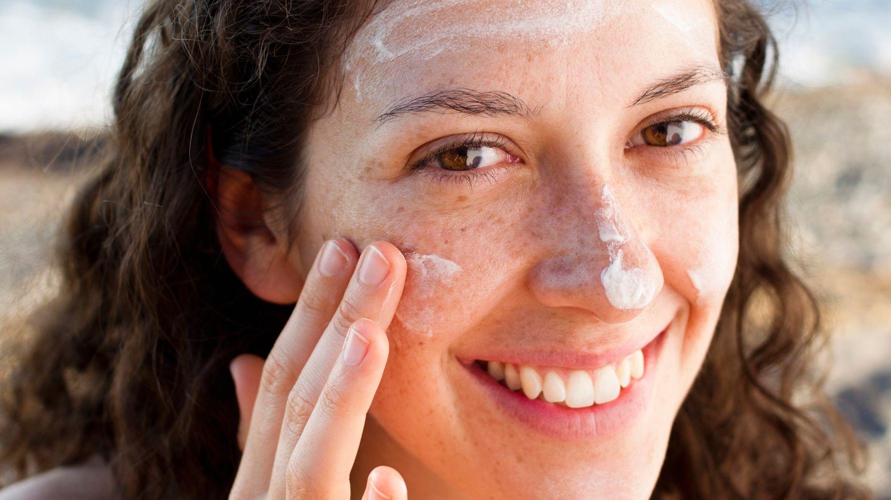 Mùa nào cũng có tia UV nên đồng nghĩa với việc mùa nào cũng cần dùng kem chống nắng.
