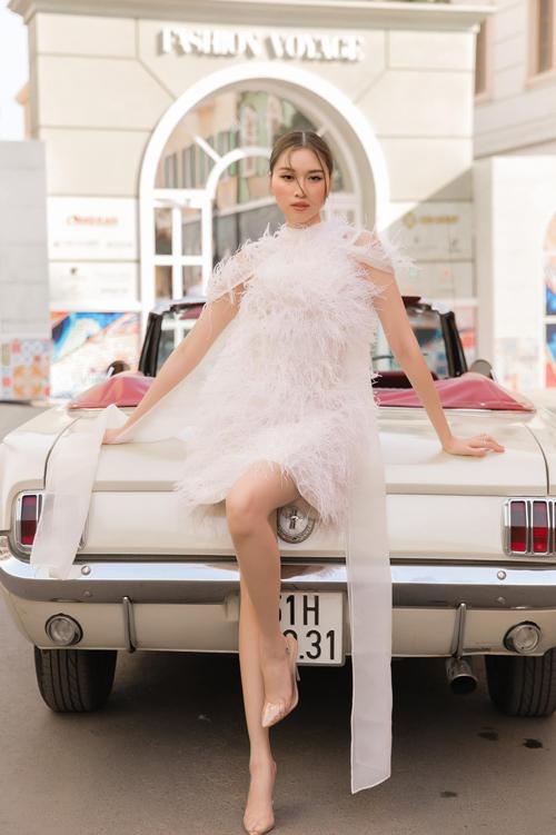 Sao Việt chuộng style trái mùa  - 12