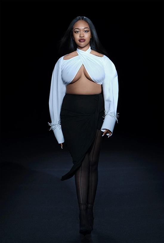 Nam thiết kế mời một số mẫu béo diễn show nhằm thể hiện mong muốn tôn vinh mọi vóc dáng.