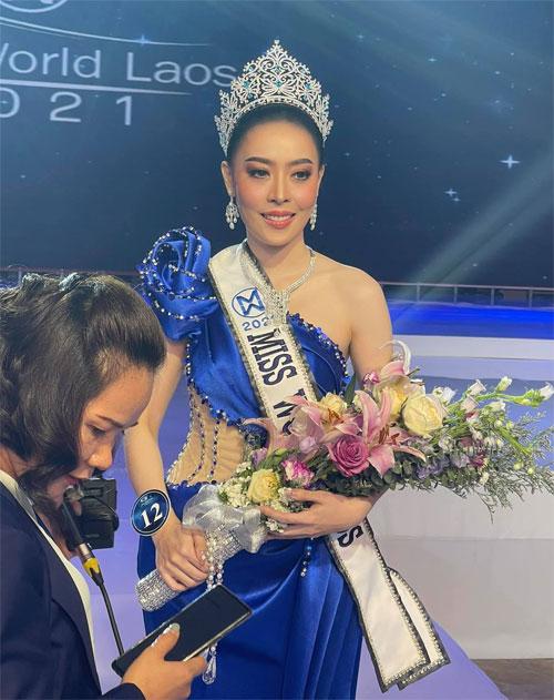 Hoa hậu Lào trả lời phỏng vấn sau đăng quang.