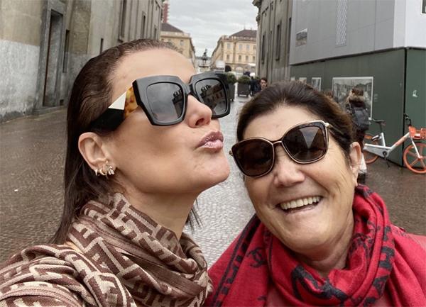 Bà Dolores bên con gái cả Elma. Ảnh: Instagram.