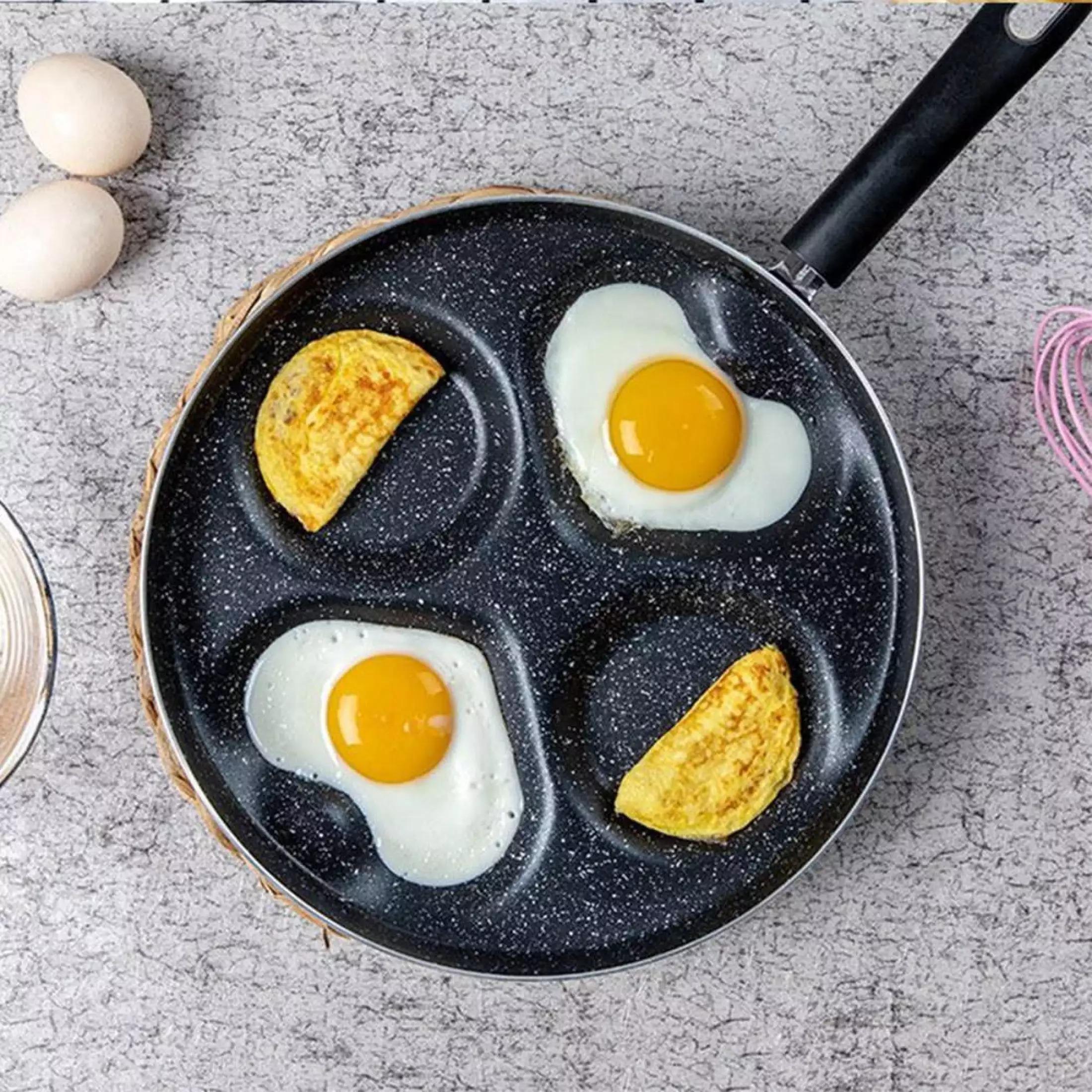 Ngoài giúp bạn có món trứng chiên, bánh rán hình tròn hoặc trái tim, mẫu chảo chống dính bốn lỗ còn giúp tiết kiệm thời gian nấu nướng cho các đầu bếp tại gia. Bạn có thể chiên cùng lúc bốn quả trứng thay vì chỉ chiên một quả mỗi lần. Chảo làm từ chất liệu đá Maifan với vân đá bắt mắt, bề mặt chống dính cho món ăn hình dáng nguyên vẹn, bắt mắt và dễ lấy ra khỏi chảo. Vì là chảo chống dính nên không cần dùng quá nhiều dầu mỡ, giúp hạn chế lượng chất béo. Sản phẩm có giá giảm 30% trên Lazada còn 202.000 đồng, giá gốc đến 288.000 đồng. Xem thêm hình ảnh sản phẩm và đặt mua tại đây.