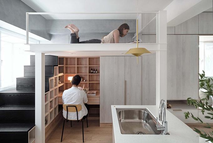 Phòng ngủ nằm ở tầng lửng, phòng làm việc ẩn bên dưới.