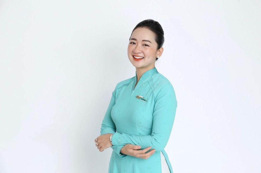 Cải thiện vóc dáng thành công đã giúp mở ra cánh cửa đưa Mai Hương đến với nghề tiếp viên hàng không.