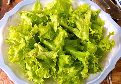Salad rau mầm sốt mè rang tự làm - 3