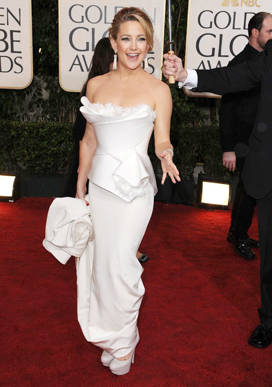 Kate Hudson at the 2010 Golden Globe Awards wearing a dress from the Marchesa bridal collection