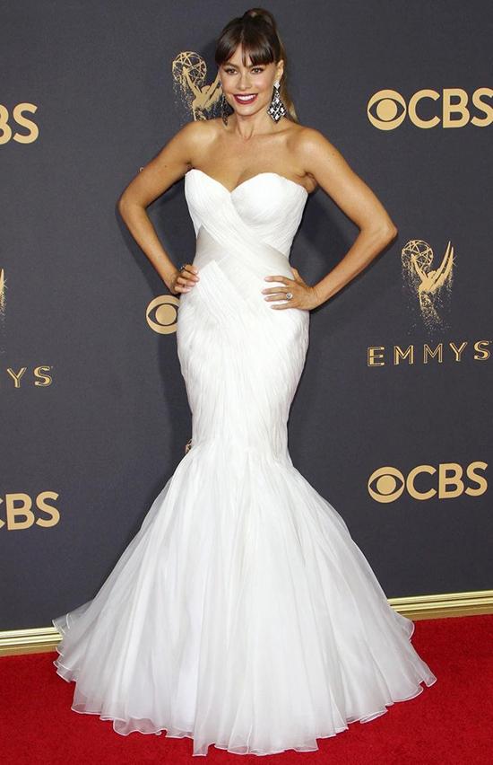 Sofia Vergara chose a wedding dress by Mark Zunino for the 2017 Emmy Awards