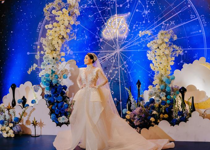 Cô dâu Thanh Thanh xinh đẹp và lộng lẫy như một nữ thần trong ngày trọng đại.