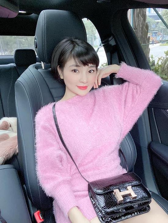 Vân Nguyễn hiện có hôn nhân hạnh phúc bên ông xã doanh nhân người Nhật Bản. Cô cùng gia đình sang xứ sở mặt trời mọc hơn một năm và hiện chưa thể đưa chồng, con về Việt Nam vì dịch Covid-19 diễn biến phức tạp.