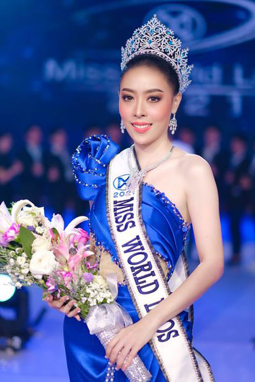Vừa thắng giải hoa hậu, Supawadee Phongsavanh đã phải trả lại vương miện.