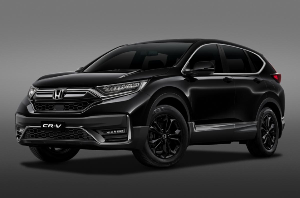 Honda CR-V LSE mang màu sơn đen toàn bộ.
