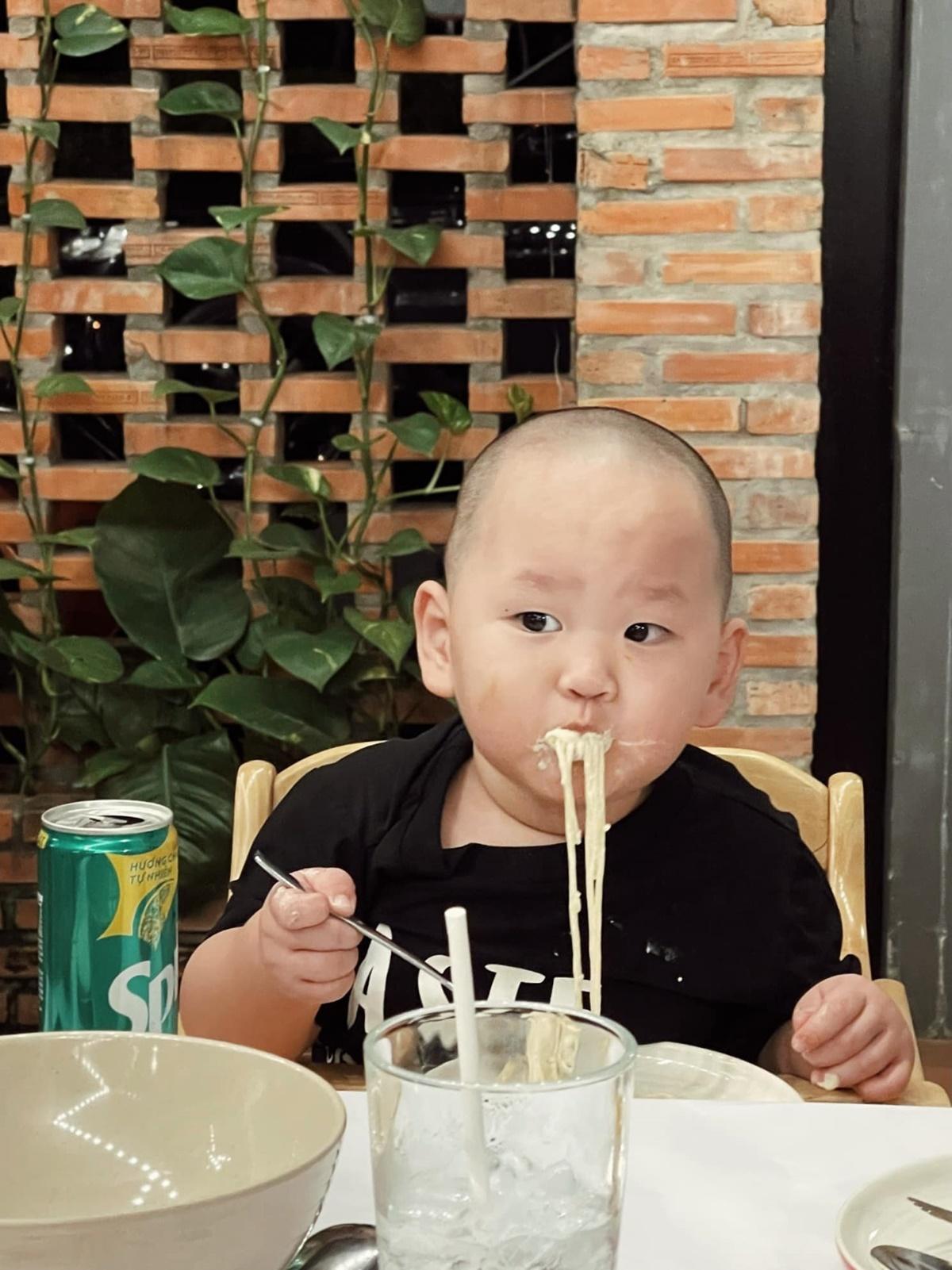 Nhà hàng của Hà Tăng nơi mẹ con Trà My ăn sinh nhật bà ngoại - 8