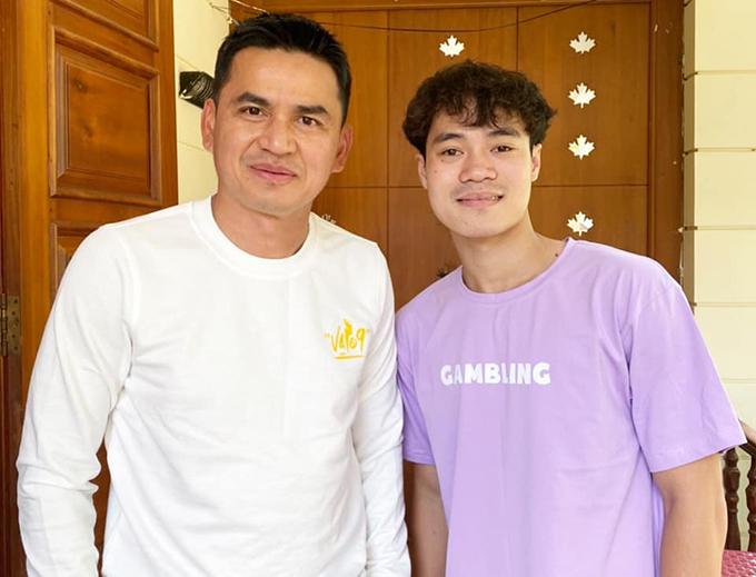 HLV Kiatisuk và Văn Toàn là hai người góp công lớn nhất trong chuỗi trận thăng hoa của HAGL ở mùa giải này. Ảnh: KS.