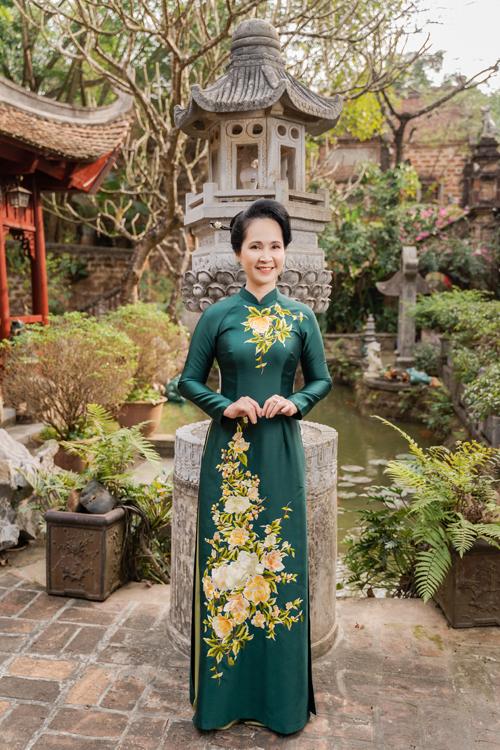 Mẹ chồng Lan Hương gợi ý áo dài cho các mẹ - page 2