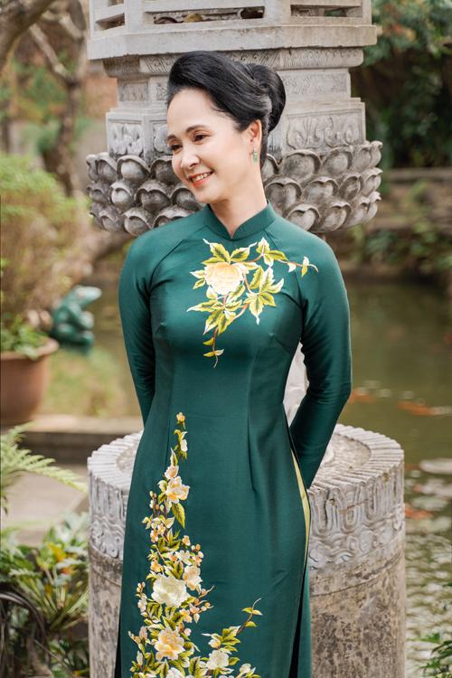 Mẹ chồng Lan Hương gợi ý áo dài cho các mẹ - page 2 - 2
