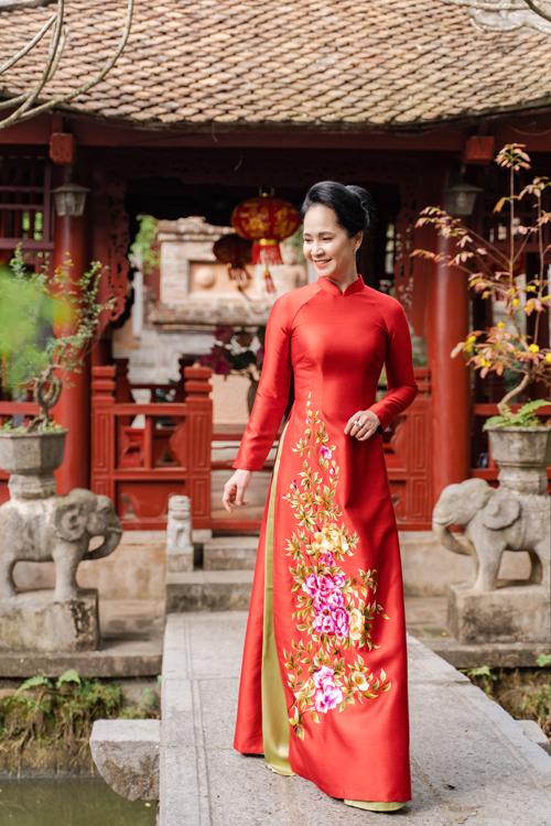Mẹ chồng Lan Hương gợi ý áo dài cho các mẹ - page 2 - 4