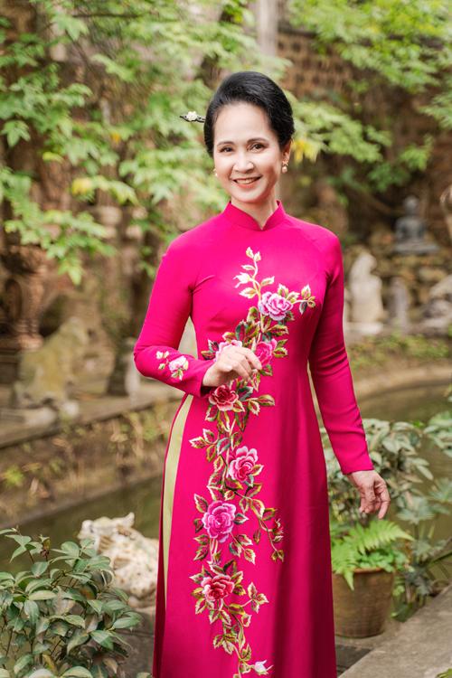 Mẹ chồng Lan Hương gợi ý áo dài cho các mẹ - page 2 - 8
