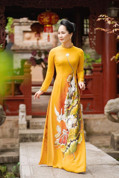 Mẹ chồng Lan Hương gợi ý áo dài cho các mẹ - page 2 - 12