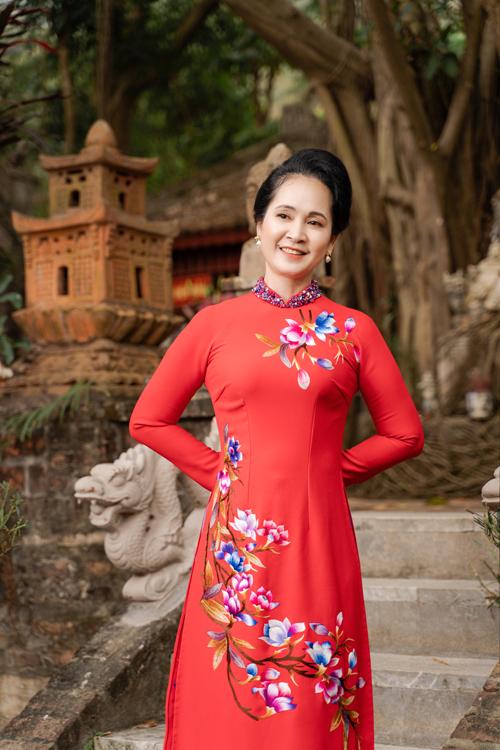 Mẹ chồng Lan Hương gợi ý áo dài cho các mẹ - page 2 - 14