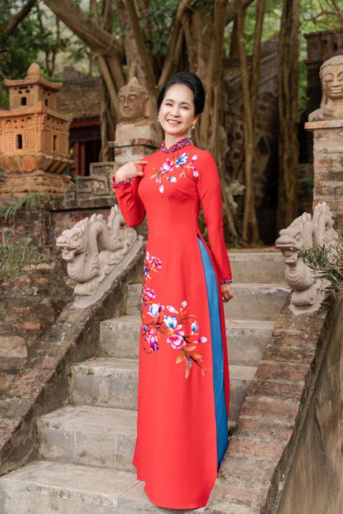 Mẹ chồng Lan Hương gợi ý áo dài cho các mẹ - page 2 - 16
