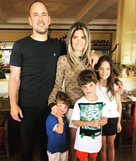 Vợ chồng Joe Cole đón con gái Ruby Tatiana tháng 3/2010. Hai năm sau, cặp đôi có con trai Harrison. Năm 2015, cậu con trai thứ hai Max chào đời.