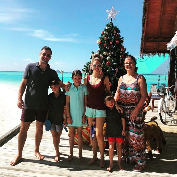 Gia đình Joe Cole đi nghỉ với người thân ở một thiên đường ngập nắng dịp Giáng sinh vừa qua.