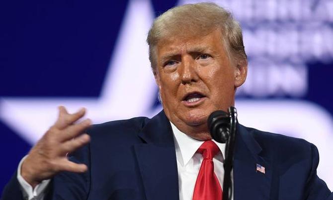 Ông Trump rớt gần 300 bậc trong bảng xếp hạng tỷ phú