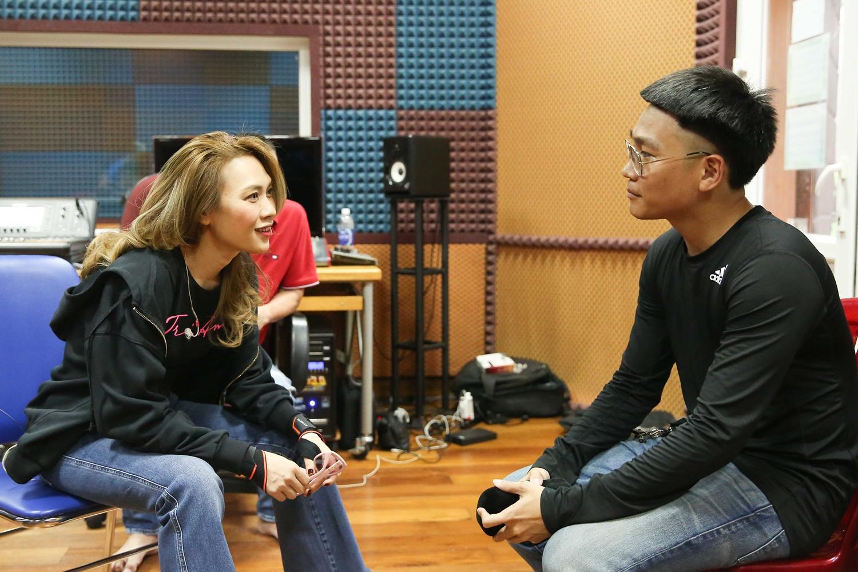 Rapper Wowy là một trong ba khách mời đặc biệt trong liveshow của Mỹ Tâm.