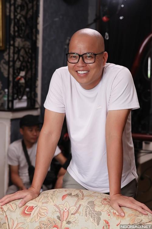 Đạo diễn Vũ Ngọc Đãng chỉ đạo diễn xuất trên phim trường.