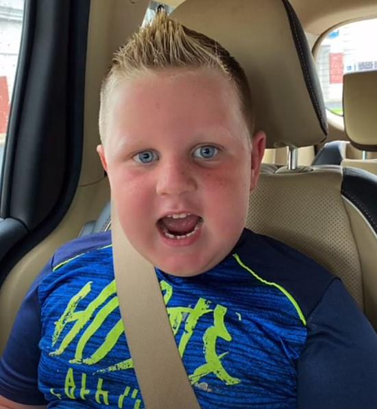 Cậu bé hiện 5 tuổi, thân hình mập mạp và khỏe mạnh. Ảnh: TikTok.