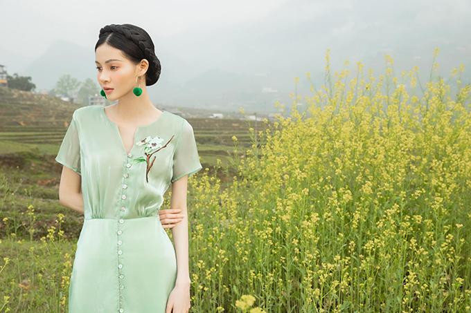 Váy lụa xuân hè lấy cảm ứng Tây Bắc - 2