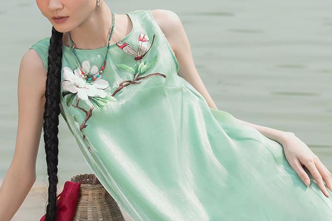Váy lụa xuân hè lấy cảm ứng Tây Bắc - 6