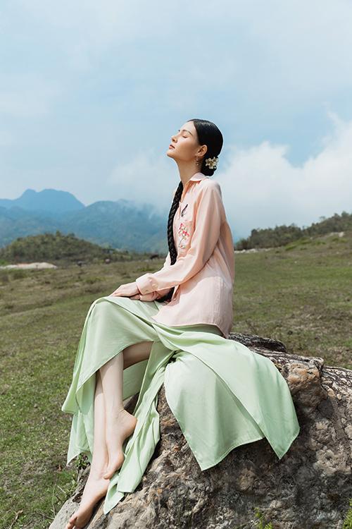 Váy lụa xuân hè lấy cảm ứng Tây Bắc - 22
