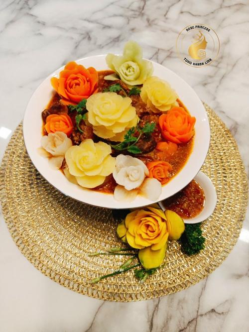 Chị Linh cũng muốn với tình yêu trong việc tạo hình đồ ăn, chị có thể phát triển khả năng xa hơn nữa và truyền đi đam mê của mình tới người khác.