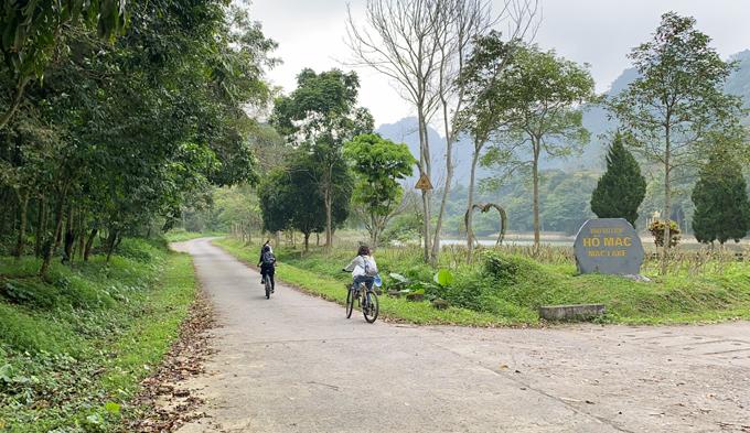 Đạp xe ở Cúc Phương là một trong những cách thư giãn lý tưởng.