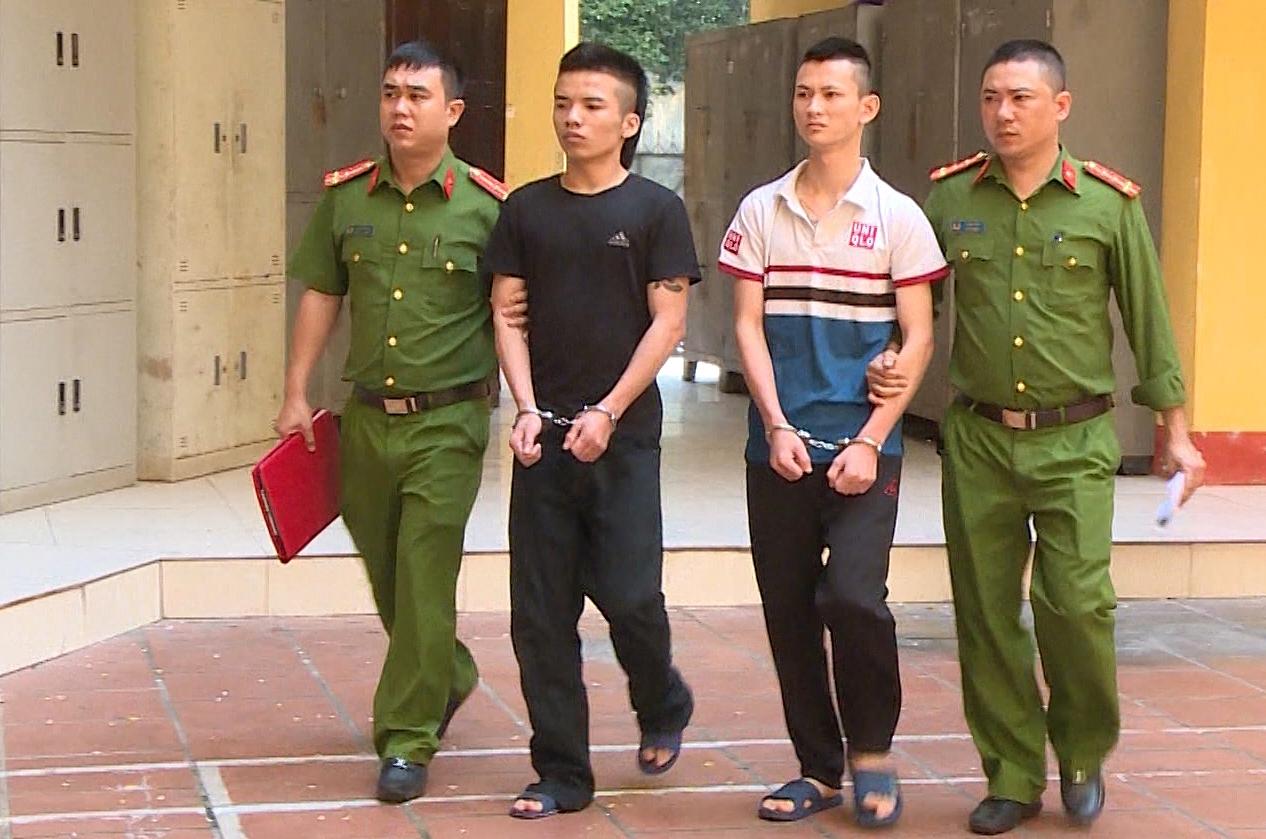 Hai nghi can Lê Viết Thắng và Trần Tuấn Trinh bị bắt.