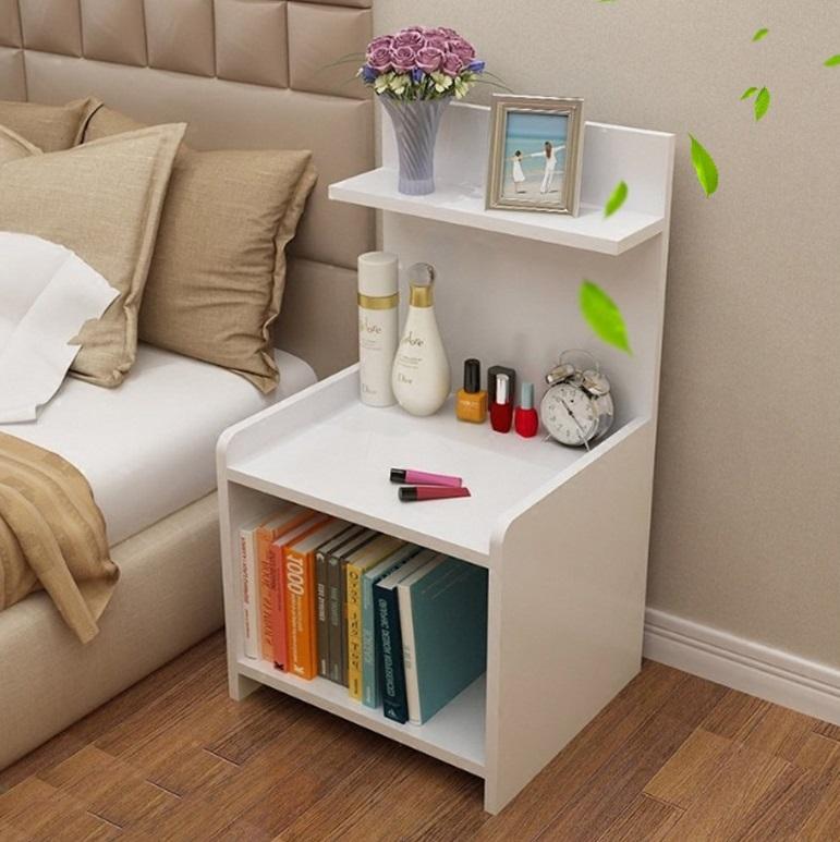 Tủ đầu giường làm từ chất liệu gỗ MDF phủ melamin màu trắng, hợp với nhiều không gian phòng ngủ. Kích thước nhỏ gọn, kiểu dáng đơn giản, giúp tiết kiệm không gian sống, hợp với những phòng ngủ nhỏ hẹp. Sản phẩm có giá 201.000 đồng, giảm 33% so với giá gốc.